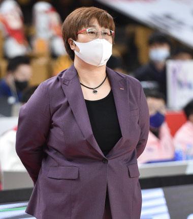 [대표 이미지] BNK 썸 유영주 감독 사퇴